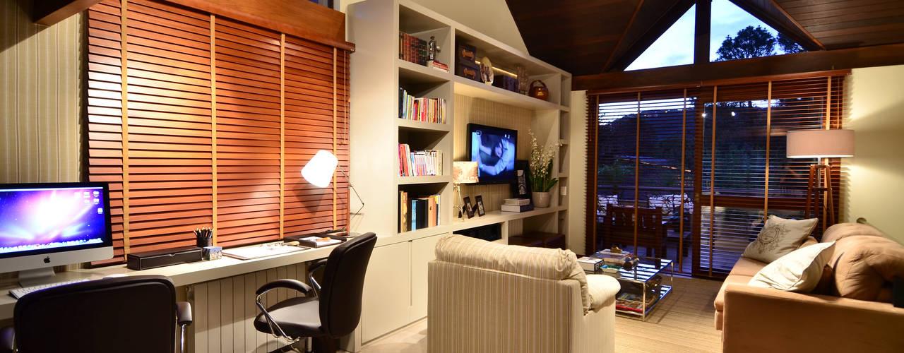 Apartamento Bairro Ipanema Escritórios rústicos por Stúdio Márcio Verza Rústico