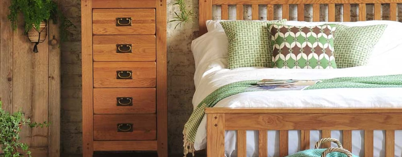 AW15 The Cotswold Company Country style bedroom Wood