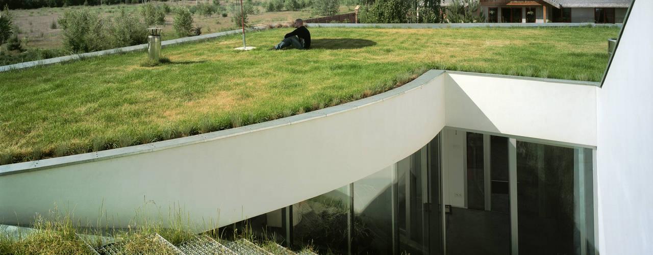 Terrace by KWK Promes