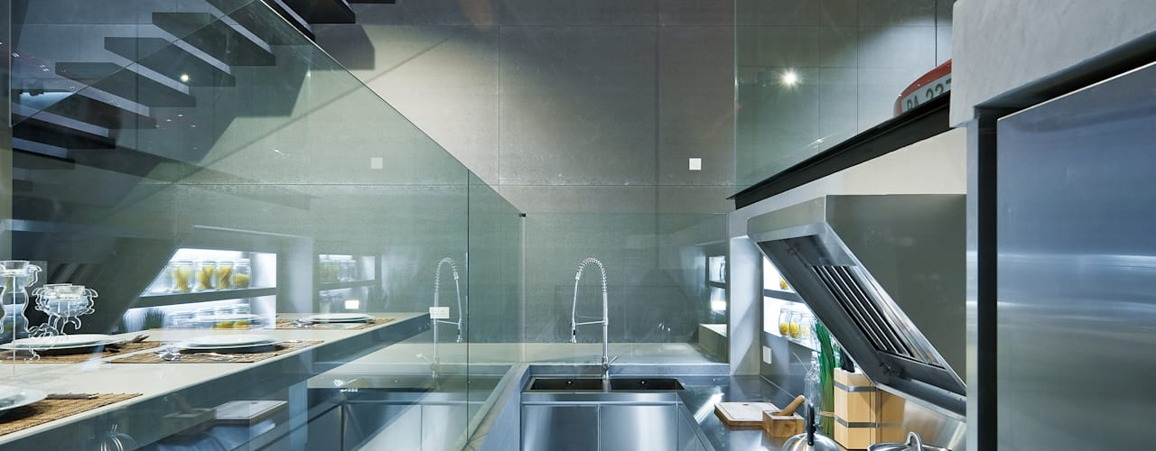 Moderne Küchen von Millimeter Interior Design Limited Modern