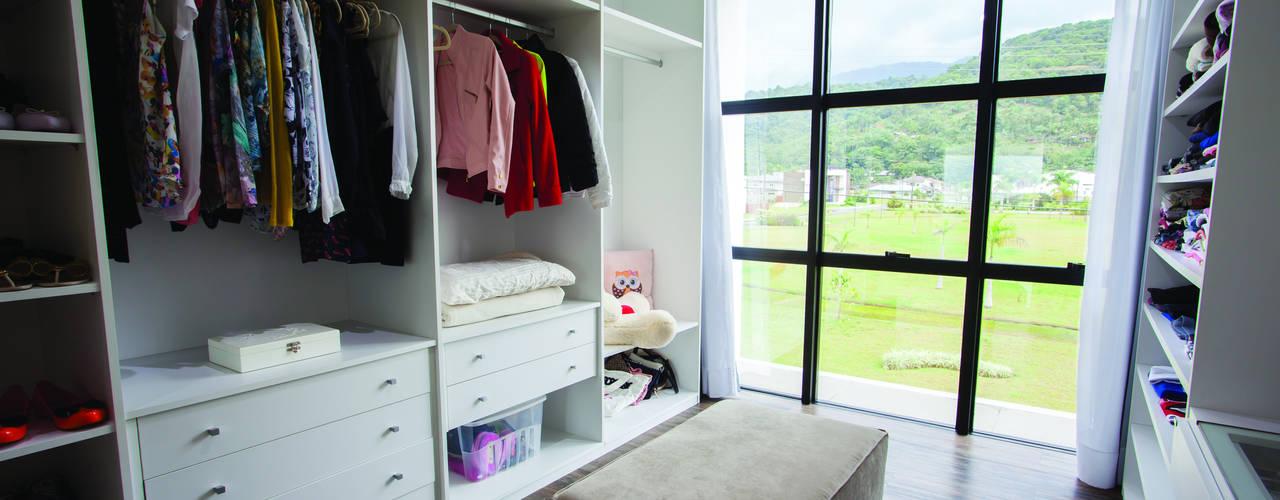 ZAAV Arquitetura Minimalist dressing room