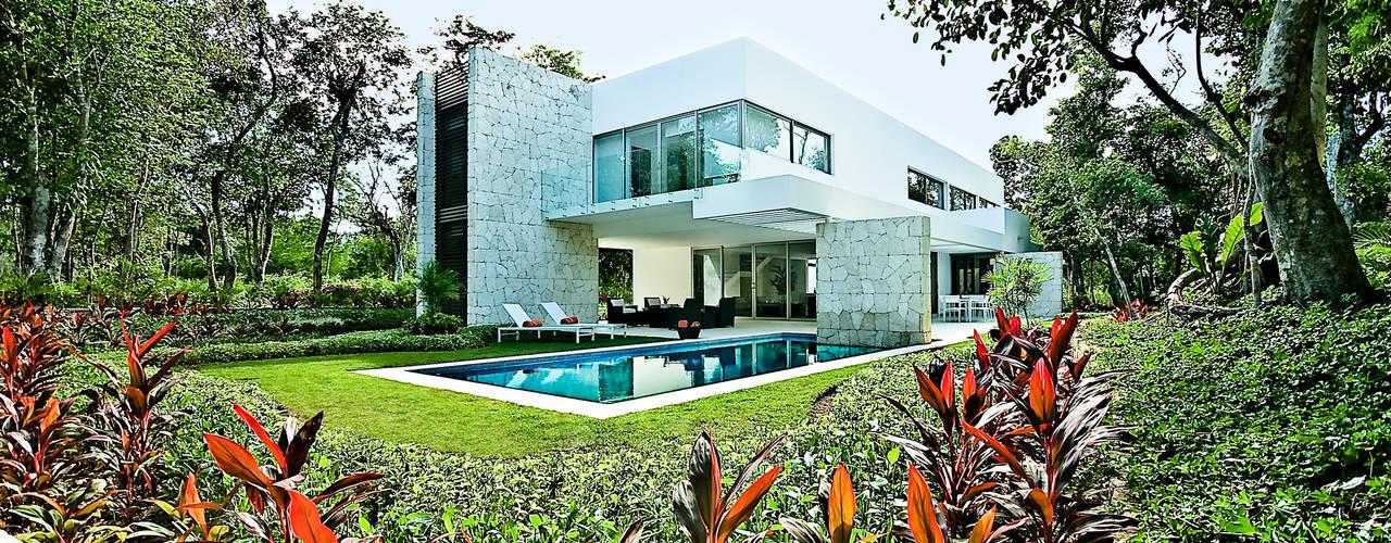 Vườn phong cách hiện đại bởi Enrique Cabrera Arquitecto Hiện đại