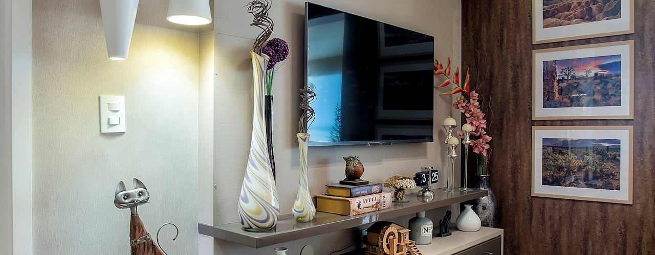 غرفة الميديا تنفيذ Adriana Pierantoni Arquitetura & Design