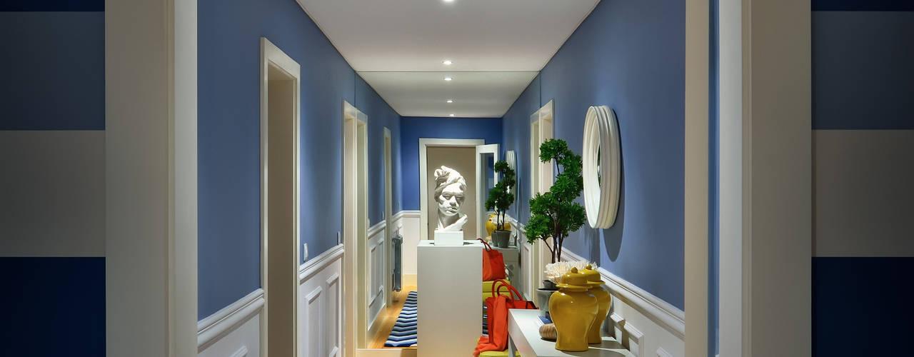 Stripes: Corredores e halls de entrada  por Prego Sem Estopa by Ana Cordeiro
