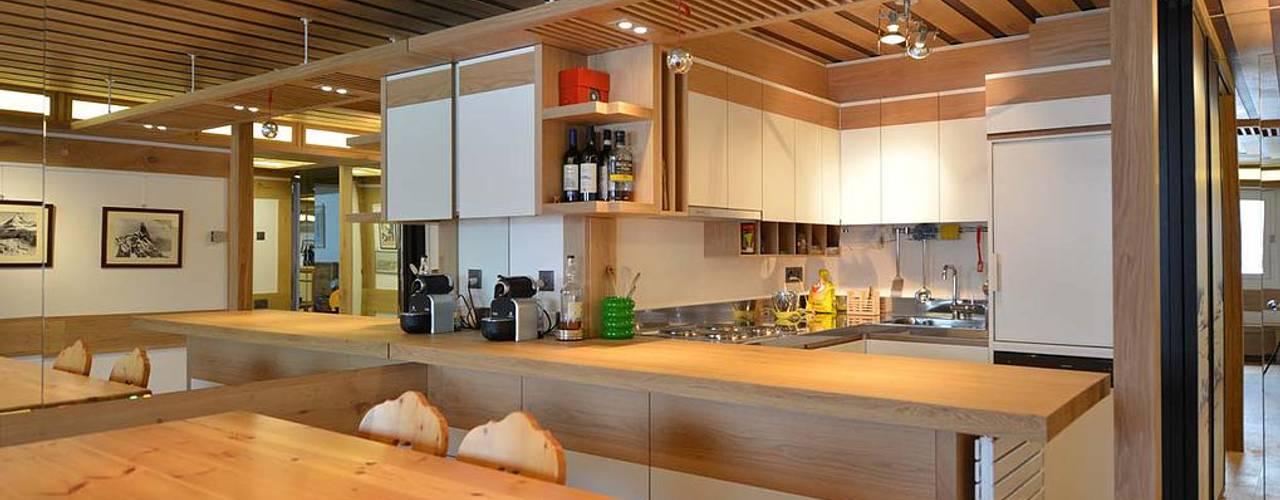 Cocinas modernas de VITTORIO GARATTI ARCHITETTO Moderno
