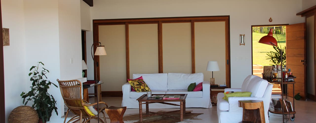 Country style living room by Ambienta Arquitetura Country