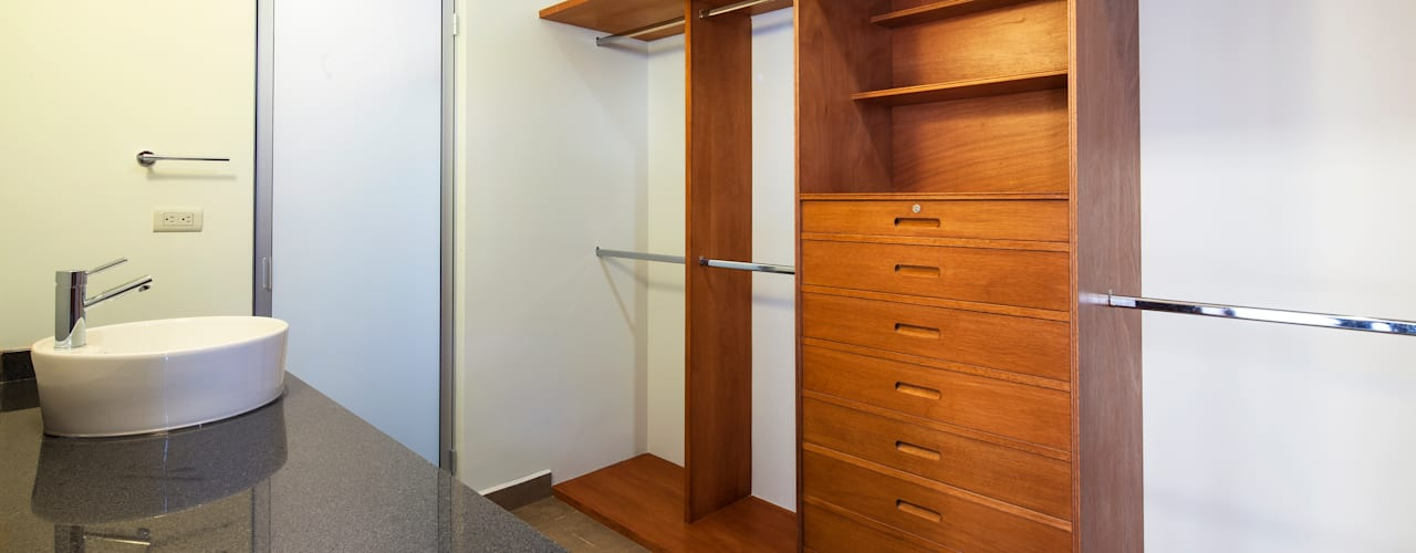 Dressing room by NODO Arquitectura, Modern