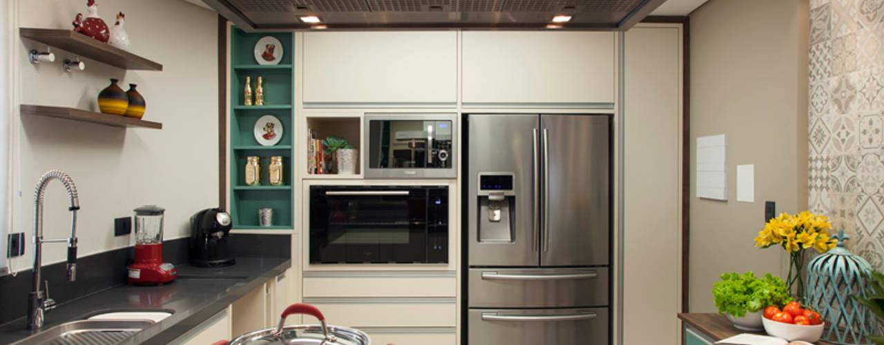 Modern style kitchen by Arquitetura 8 - Ana Spagnuolo & Marcos Ribeiro Modern