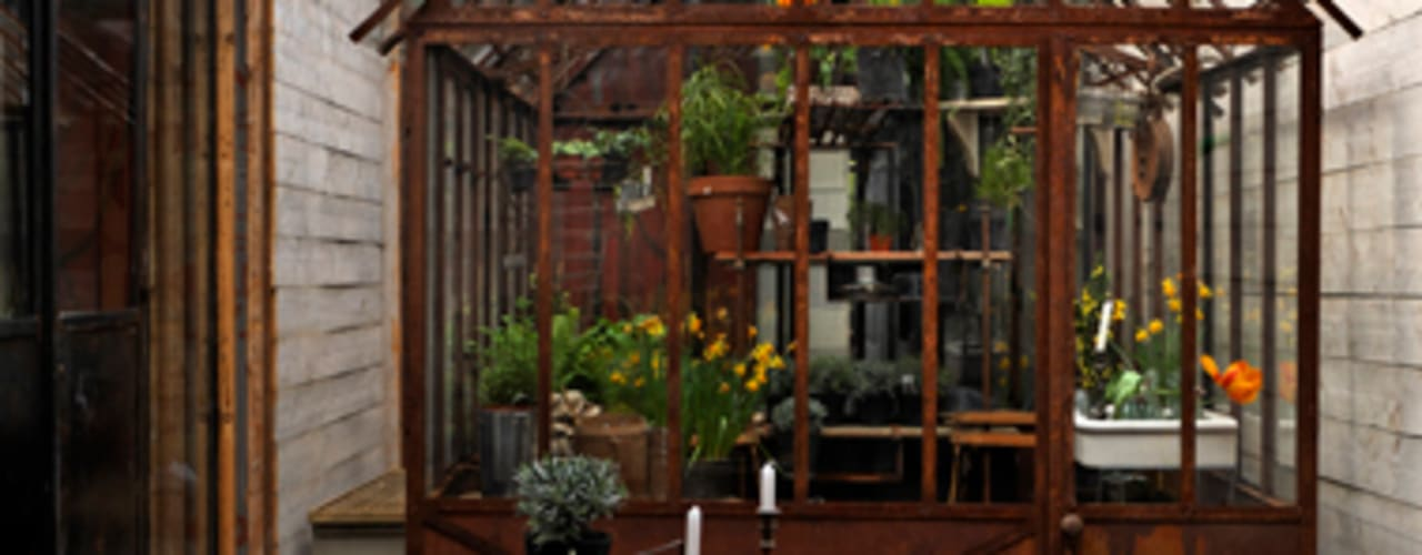 Verrières Atelier d'artistes Frédéric TABARY JardinAbris de jardin & serres Métal Multicolore