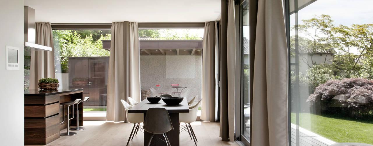 Гостиная в стиле модерн от meier architekten zürich Модерн