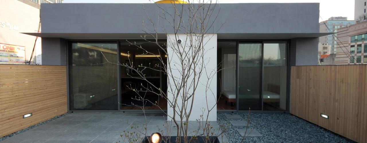 Terrasse de style  par 건축사사무소 moldproject