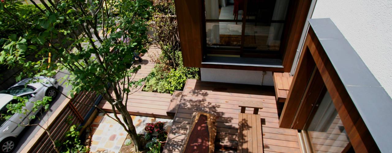 庭院 by 向山建築設計事務所
