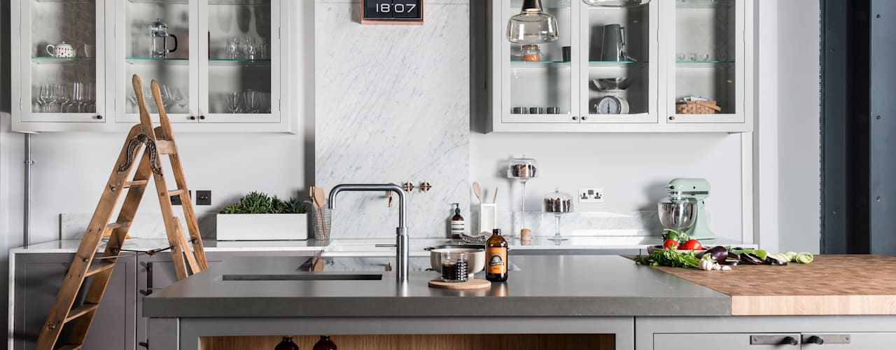 W9 | Eclectic Industrialism. Davonport Industrial style kitchen Wood Grey