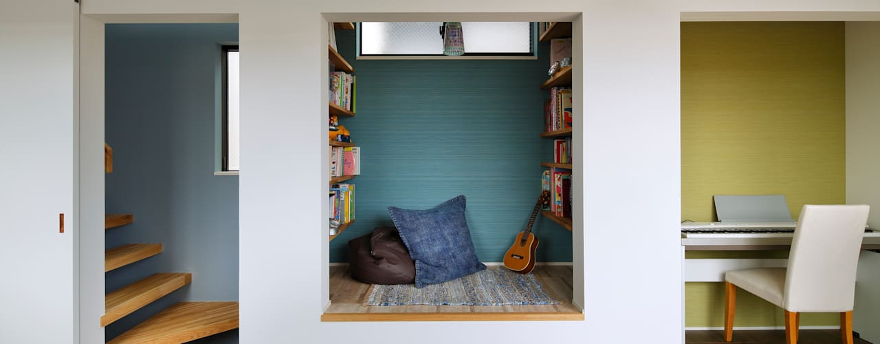 Modern Media Room by 向山建築設計事務所 Modern