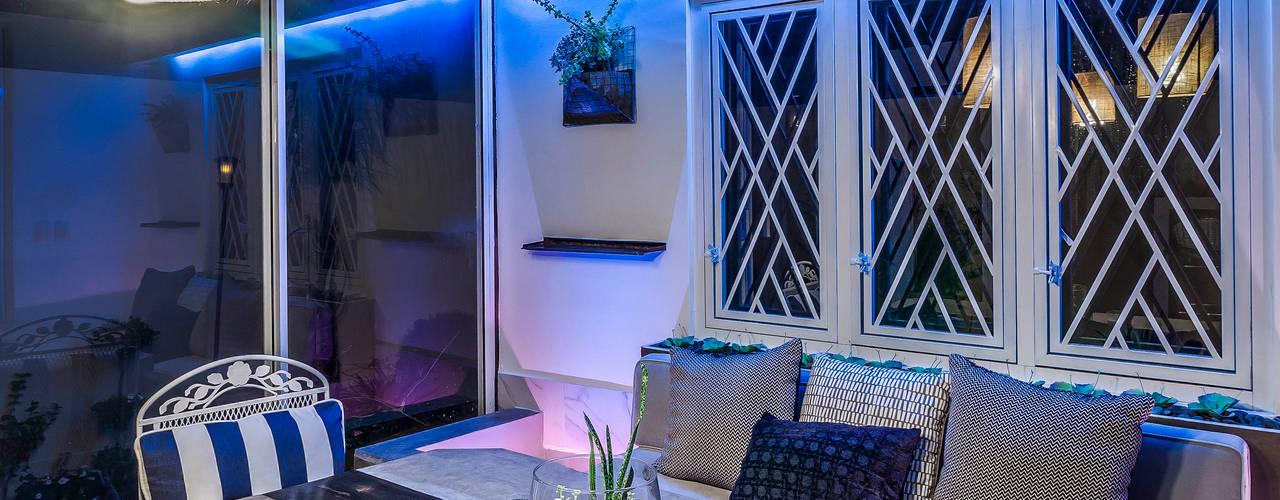 Casas de estilo ecléctico por SZTUKA  Laboratorio Creativo de Arquitectura