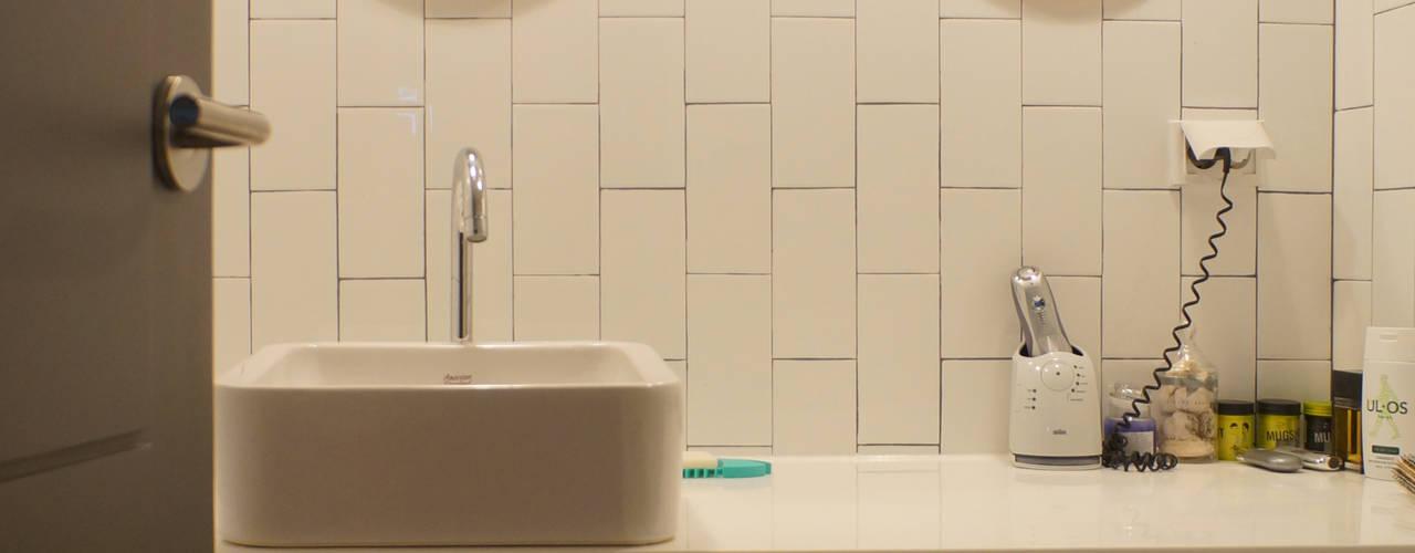 Modern bathroom by 마르멜로디자인컴퍼니 Modern