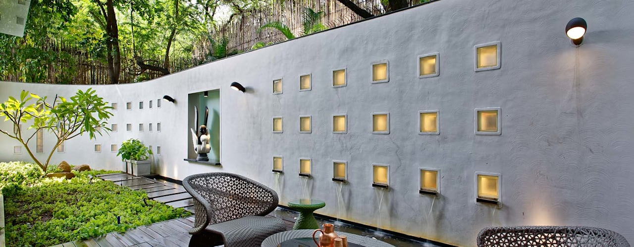 Nest - Private residence at Koregaon Park:  Terrace by TAO Architecture Pvt. Ltd.,