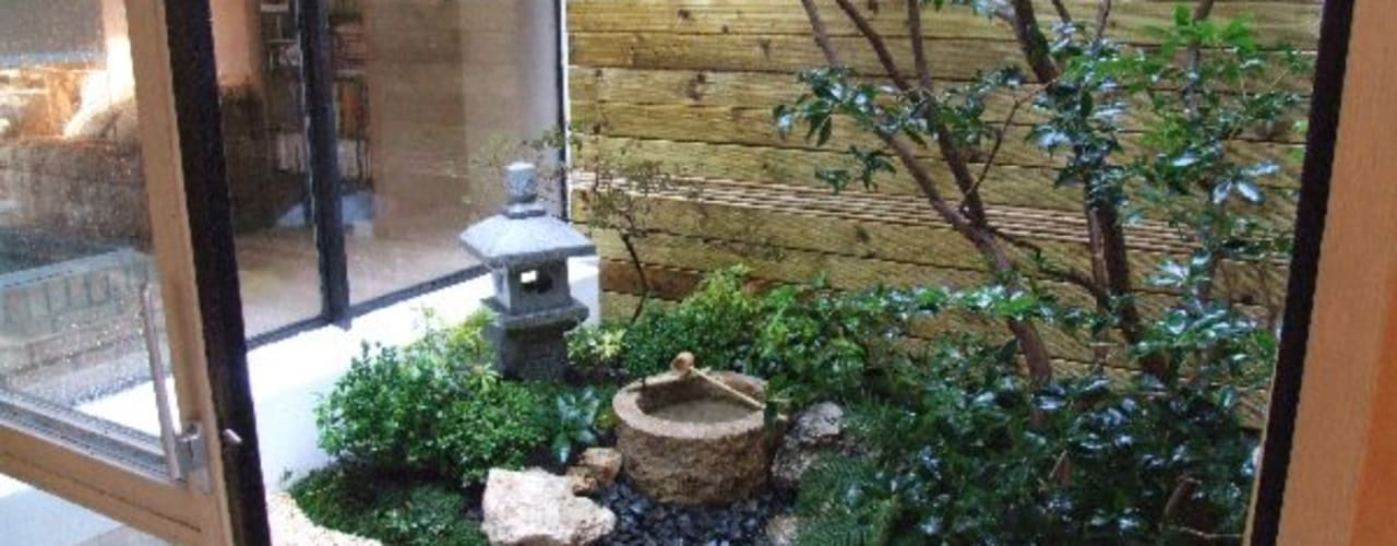 Jardines de estilo minimalista de FERNANDA GASTELUM Minimalista