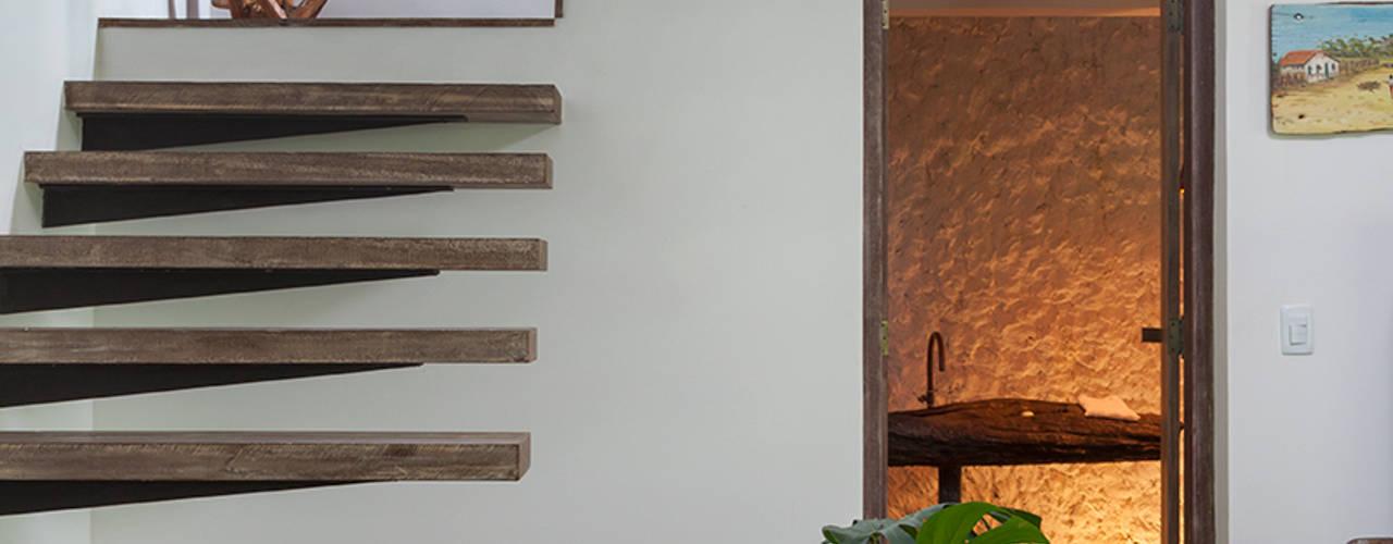 Pasillos, vestíbulos y escaleras modernos de Vida de Vila Moderno
