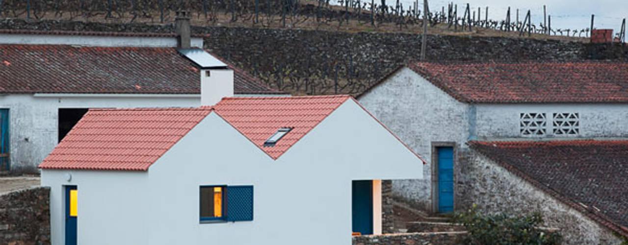 Caseiros House Wiejskie domy od SAMF Arquitectos Wiejski