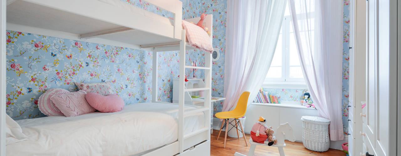 غرفة نوم بنات تنفيذ LAVRADIO DESIGN, حداثي