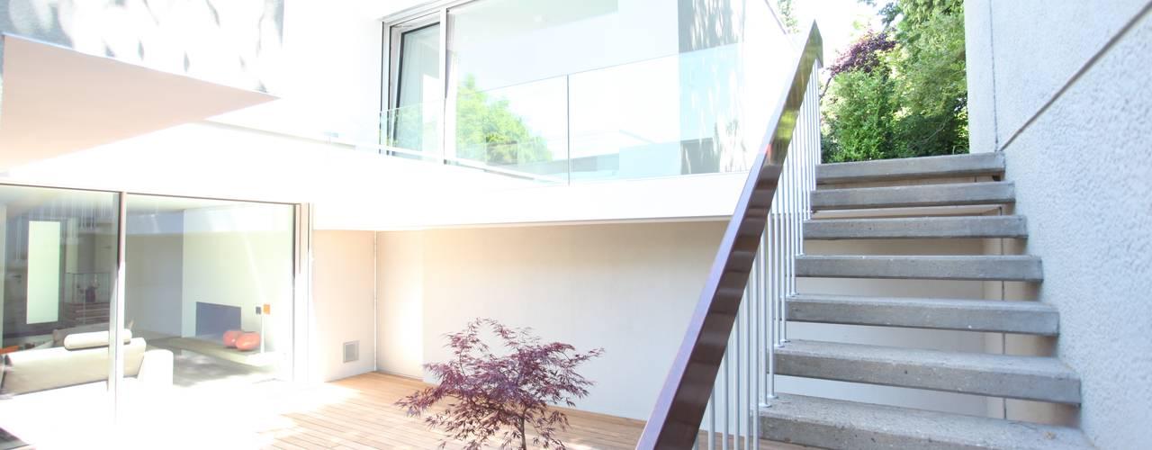 Garden by Neugebauer Architekten BDA, Modern