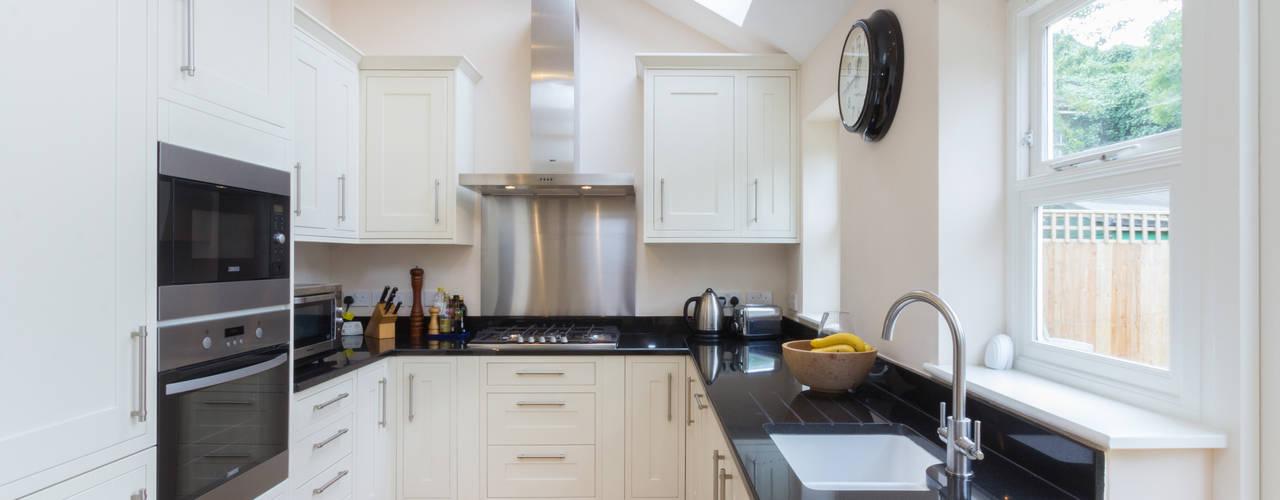 Loft Conversion, Sheen SW14 Moderne keukens van TOTUS Modern