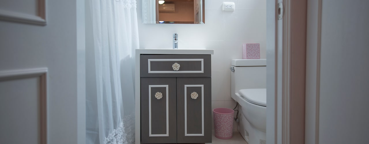 Modern Bathroom by ESTUDIO TANGUMA Modern