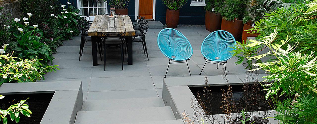 Jardines de estilo  por Josh Ward Garden Design