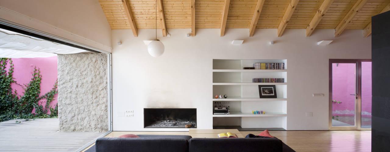 Living room by daniel rojas berzosa. arquitecto, Minimalist