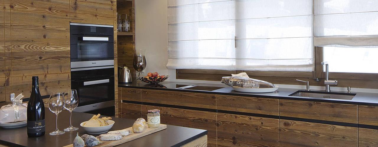 Cuisine de style  par Go Interiors GmbH, Rustique