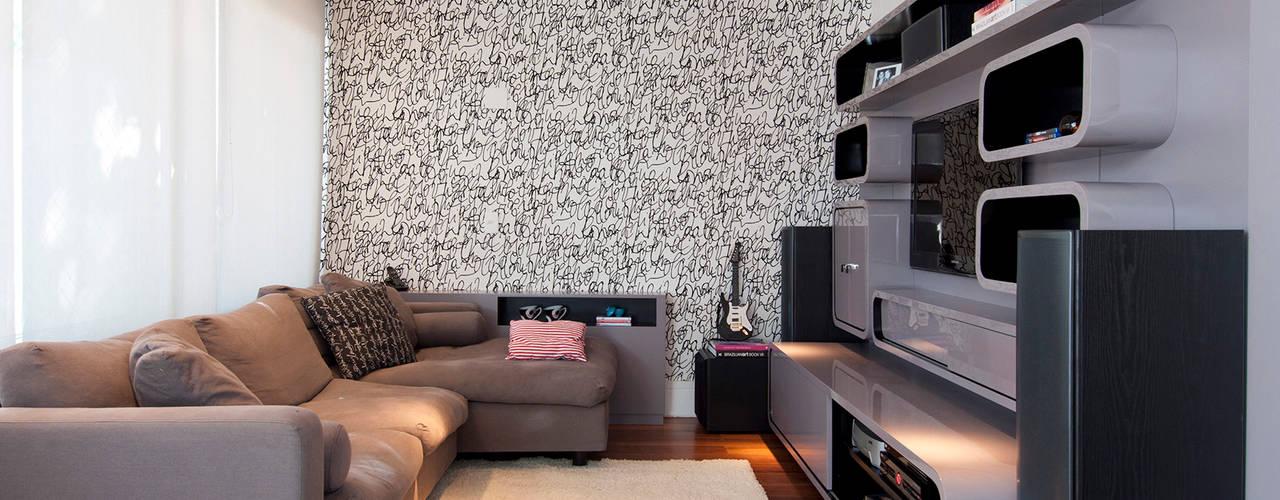 Media room by Figoli-Ravecca Arquitetos Associados