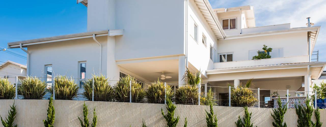 Casas de estilo colonial de MM Arquitetura e Urbanismo Colonial