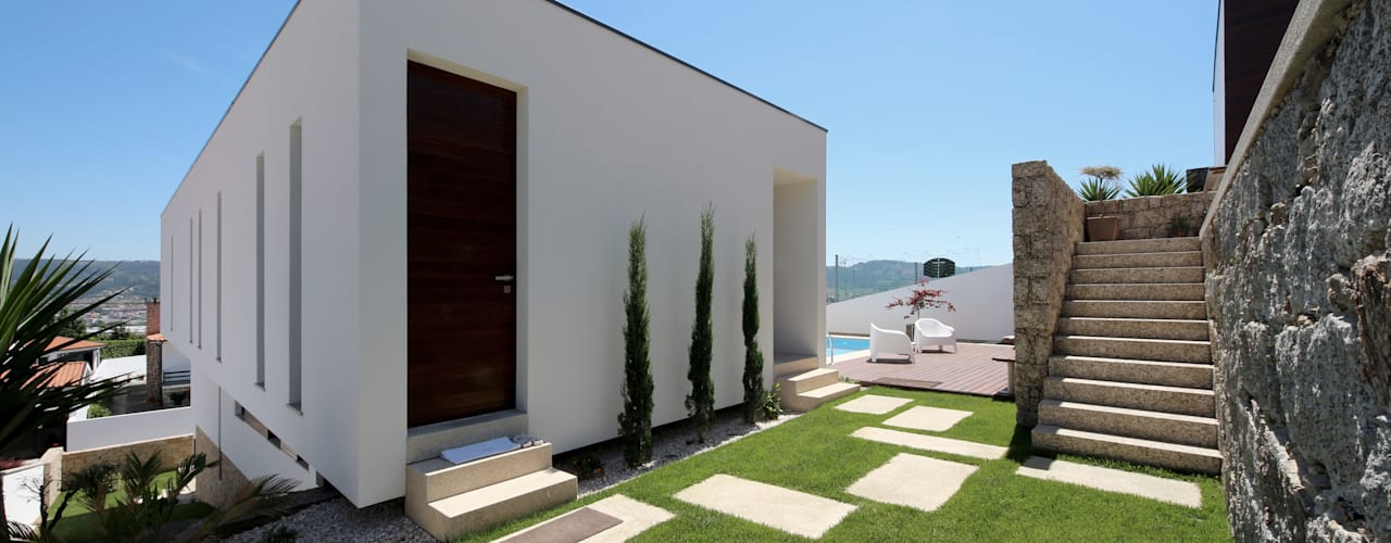 โดย 3H _ Hugo Igrejas Arquitectos, Lda มินิมัล