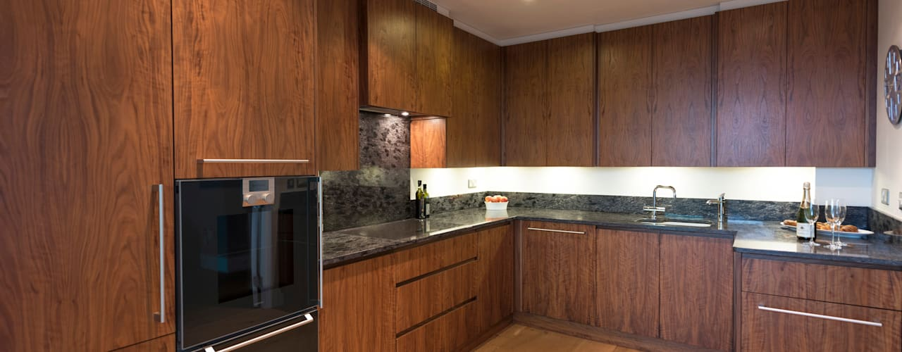 American Black Walnut Vauxhall Kitchen designed and made by Tim Wood Modern Mutfak Tim Wood Limited Modern