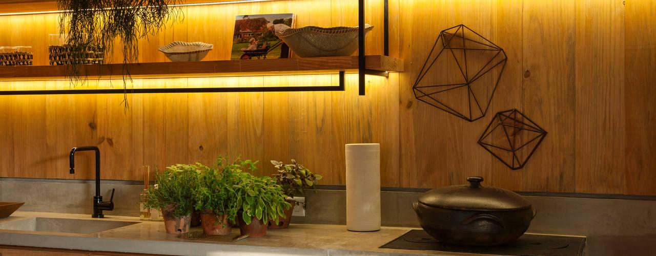 Cocinas de estilo  por Marina Linhares Decoração de Interiores, Tropical