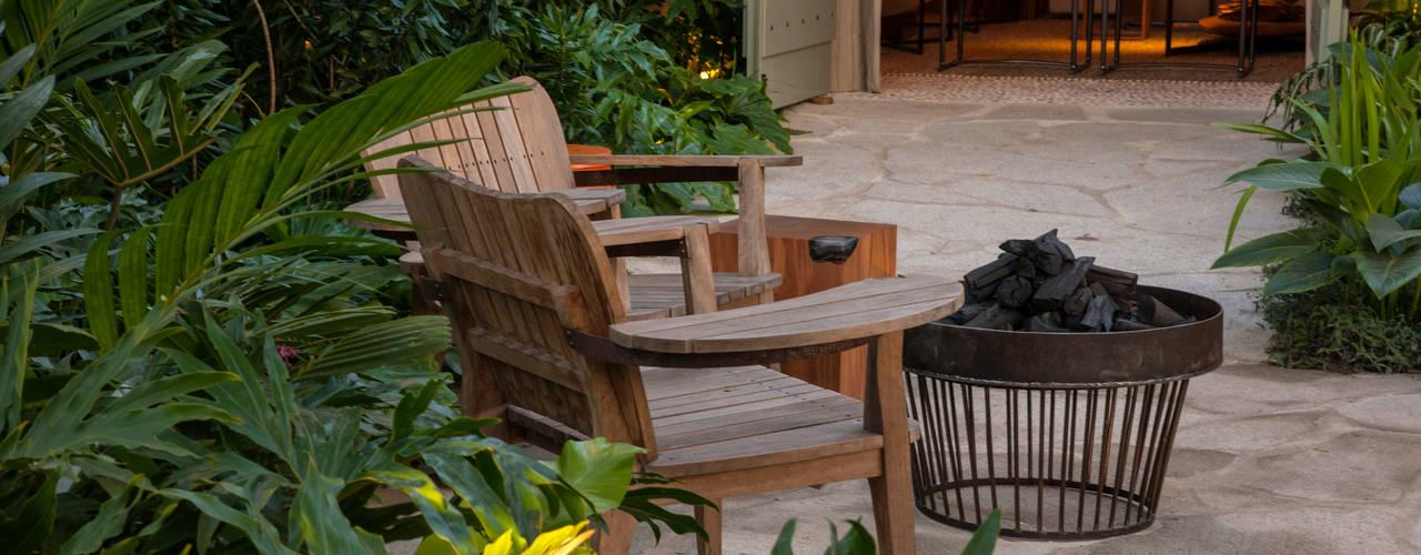 Jardines de estilo  por Marina Linhares Decoração de Interiores,