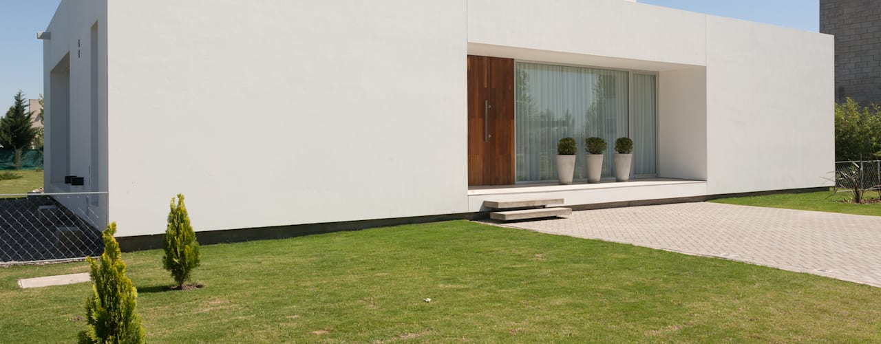 Modern houses by VISMARACORSI ARQUITECTOS Modern