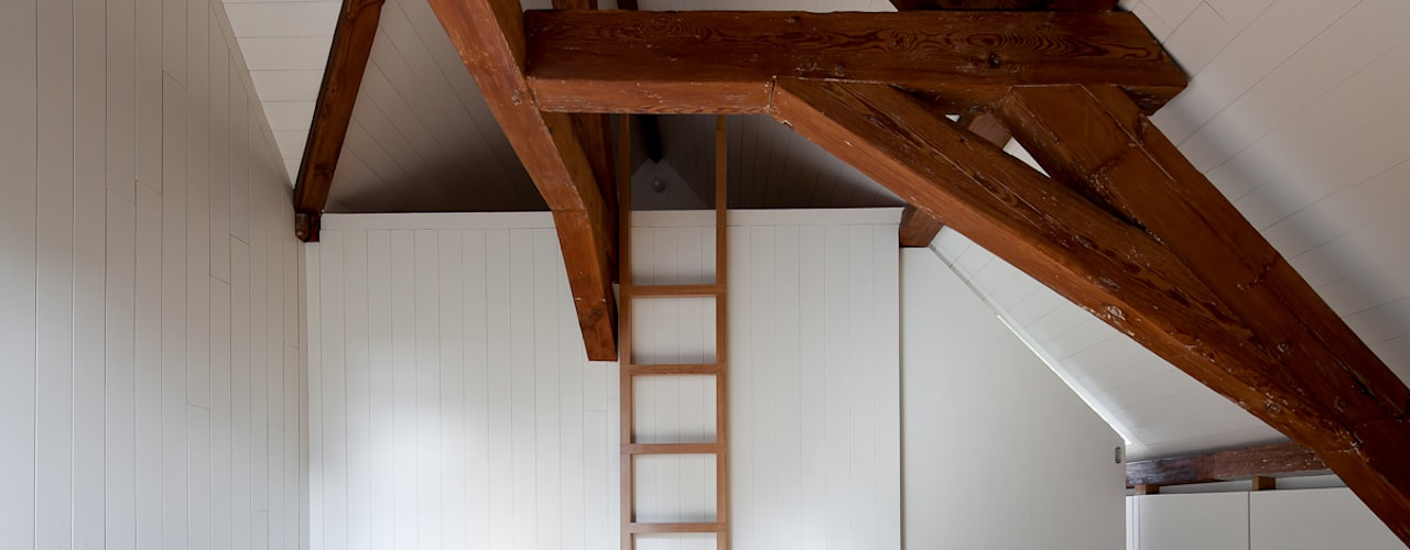 Casa Leiden : Paredes  por SAMF Arquitectos