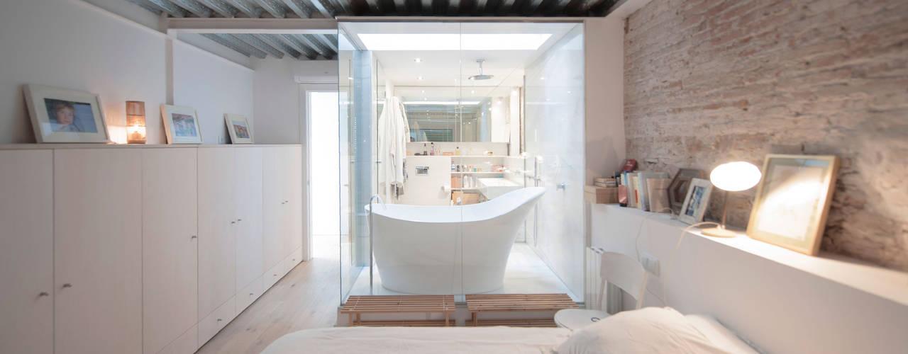 Dormitorios de estilo moderno de lluiscorbellajordi Moderno