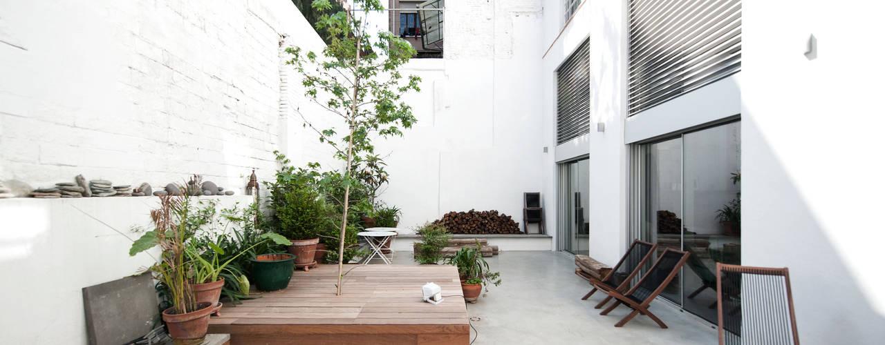 Jardines de estilo moderno de lluiscorbellajordi Moderno