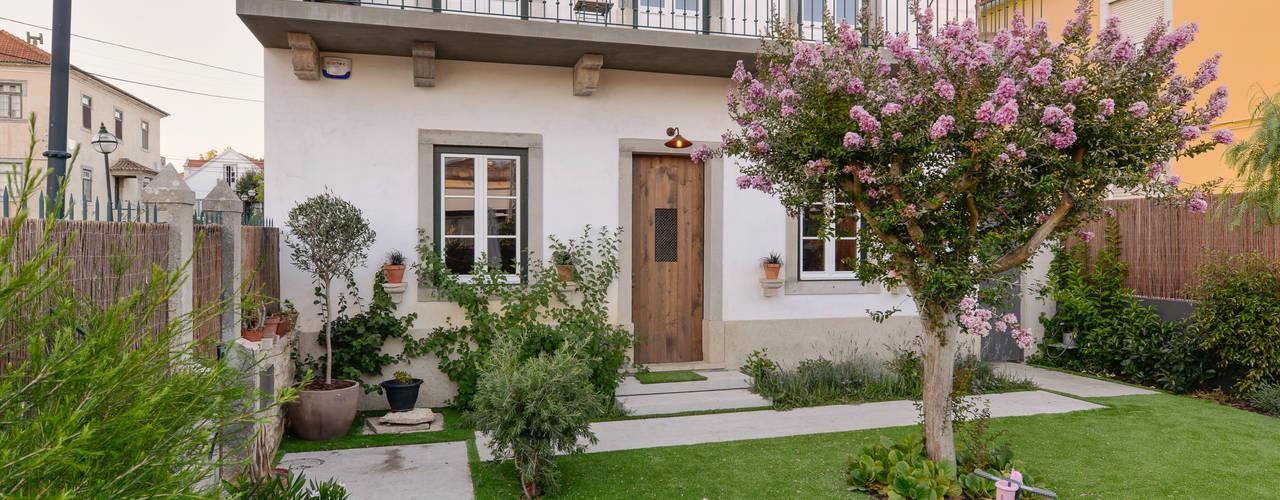 Jardines de estilo moderno de Ricardo Moreno Arquitectos Moderno