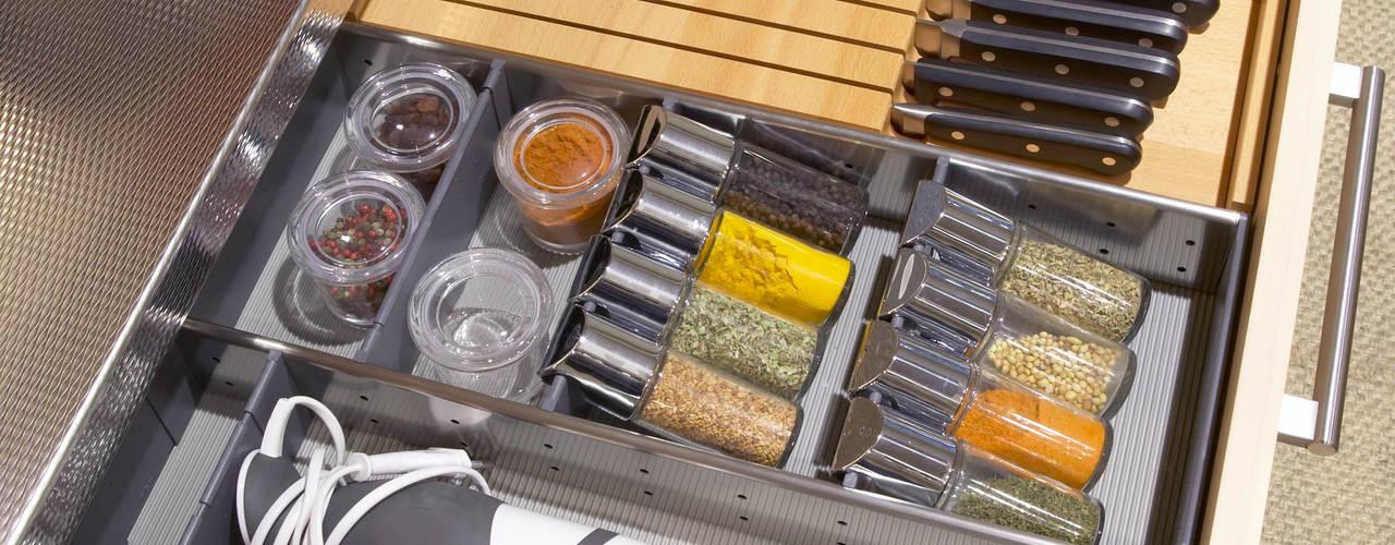 Organización interior... porque los detalles, importan: Cocinas de estilo  de DEULONDER arquitectura domestica,