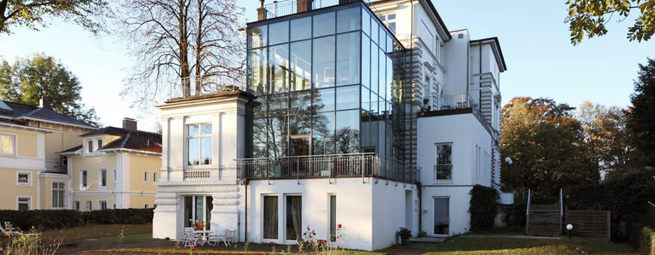 Moderne huizen van Andreas Edye Architekten Modern