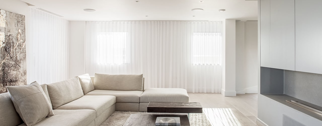 Living Room:  Living room by Francesco Pierazzi Architects