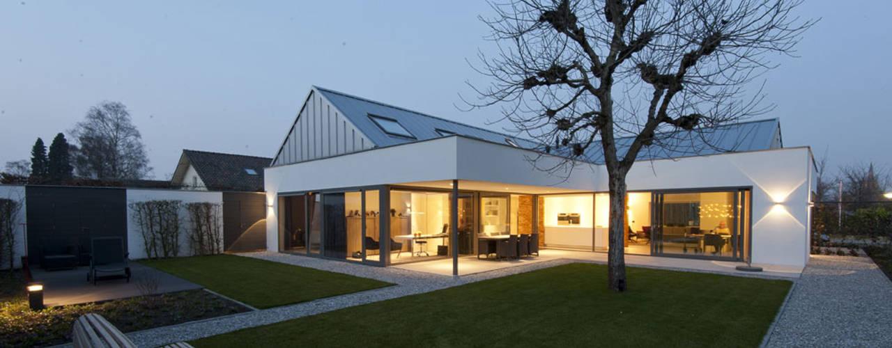de estilo  por OTTENVANECK architecten & vormgevers
