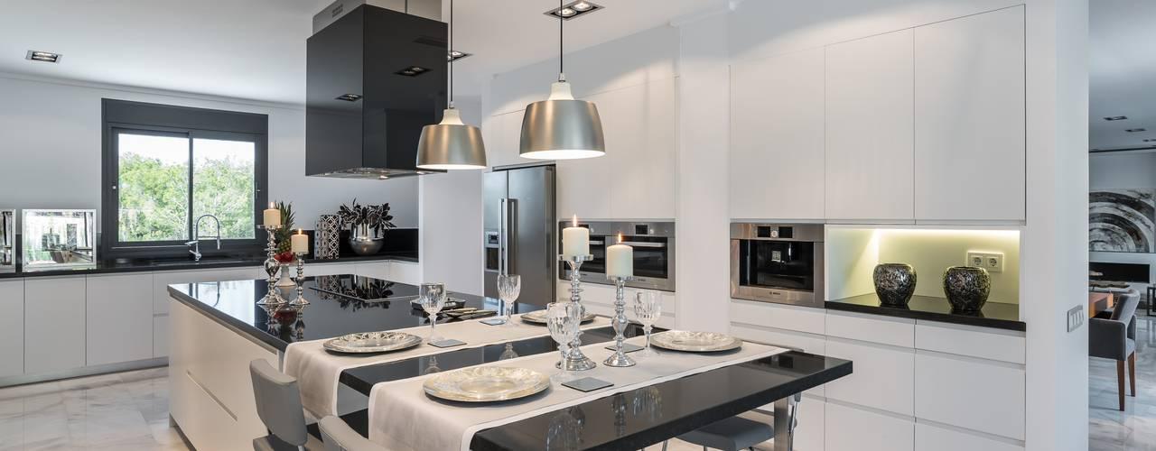 Keuken door Laura Yerpes Estudio de Interiorismo, Mediterraan