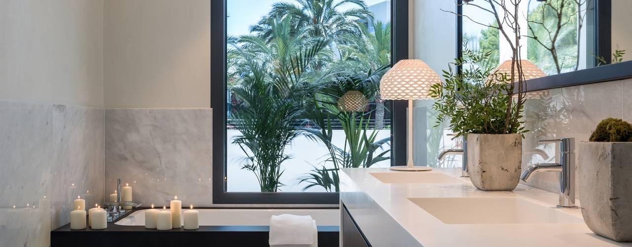Casas de banho mediterrânicas por Laura Yerpes Estudio de Interiorismo
