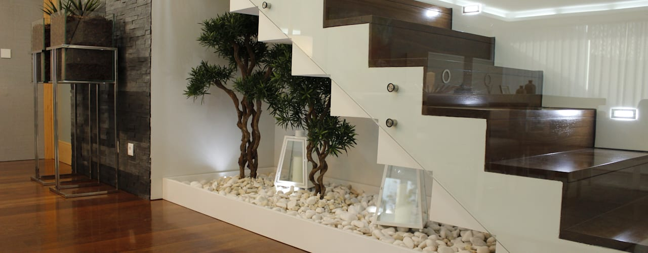 Corredores, halls e escadas modernos por Grupo HC Moderno