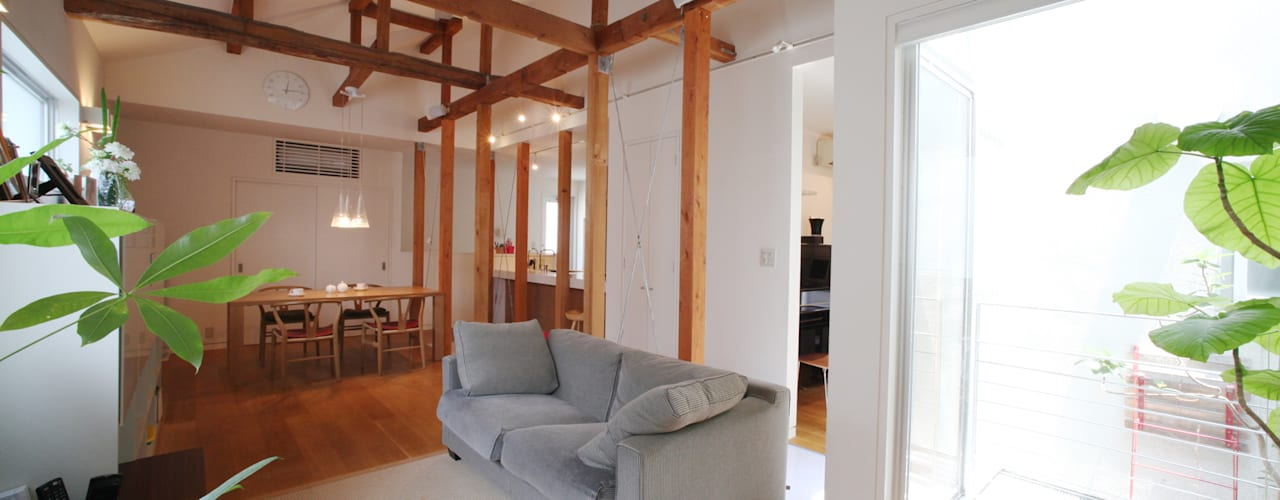 Salas de estar modernas por atelier m Moderno